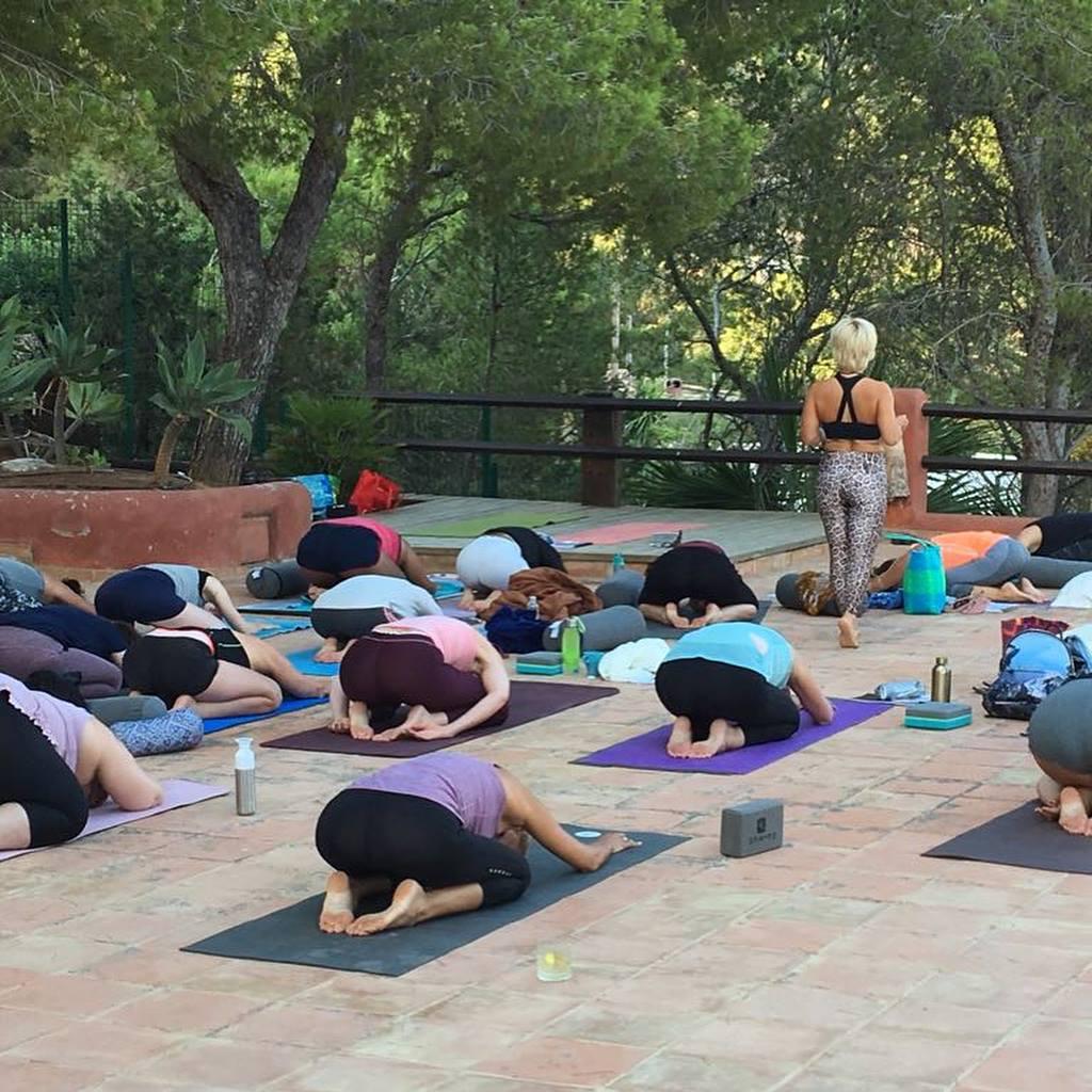 yin yoga teacher trainingen op ibiza
